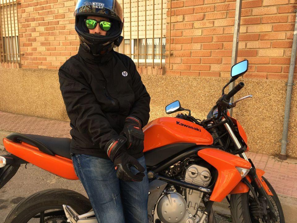 Y mi moto, despues de este spam sano de mi canal jajajaja es esta! KAWASAKI ER6N